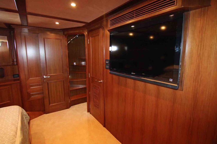 tv-on-a-yacht