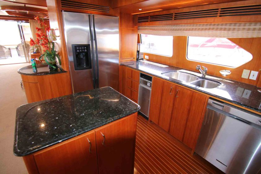 yacht-charter-galley-luxury-liners