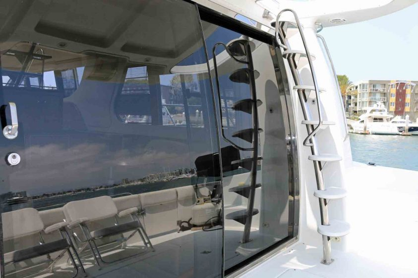 yacht-rental-aft-deck-carver-yacht